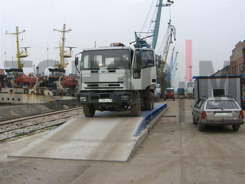 Автомобильные весы в порту